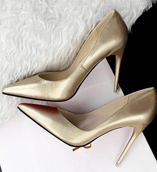 Pantofi Aurii Cu Toc Mic Mediu Si Inalt