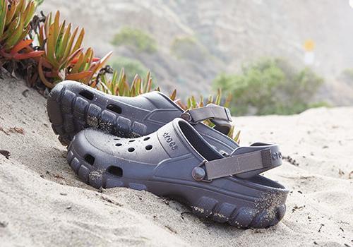 Papuci Crocs Barbati Saboti Sandale